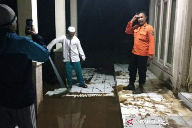 Banjir bandang terjang tiga desa di Kabupaten Bandung Barat