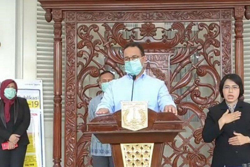 Cegah Covid-19 meluas, Anies akan bahas langkah hukum agar warga tidak keluar Jakarta