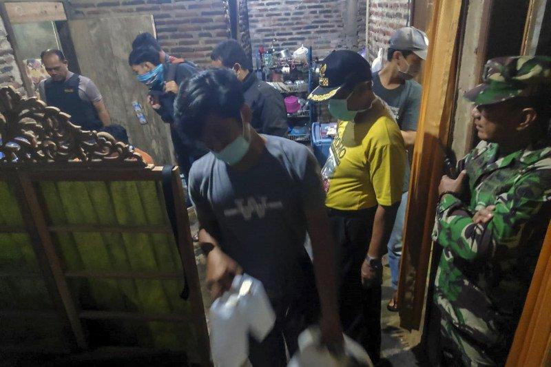 Hukum kemarin, kasus hoaks COVID-19 hingga terduga teroris di Batang