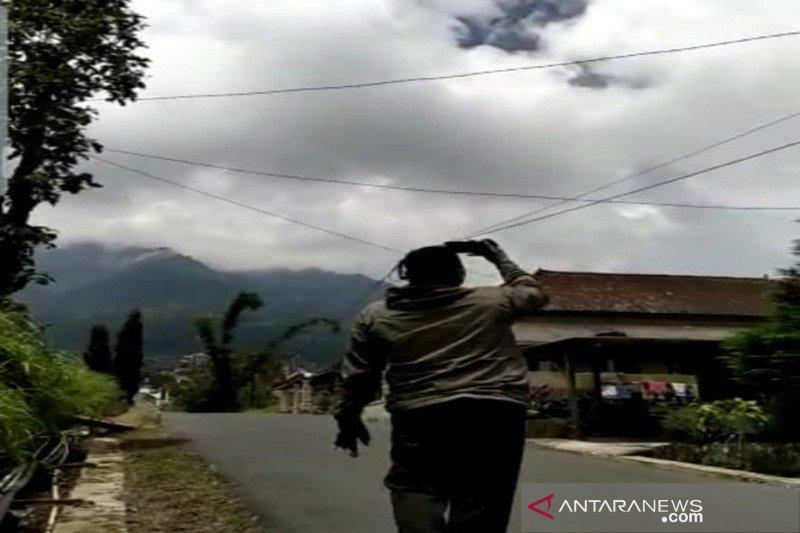 Erupsi Gunung Merapi tidak berdampak pada tiga bandara