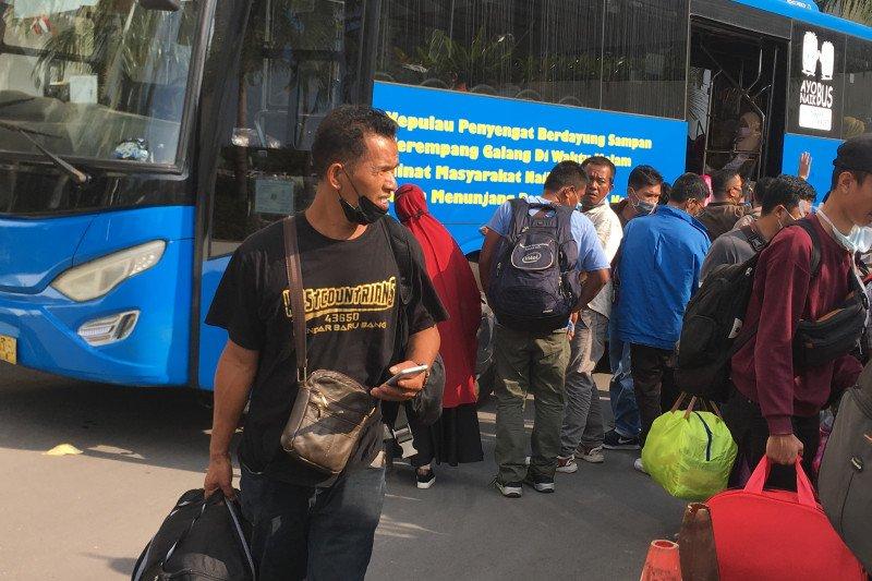 Ratusan TKI tiba di Batam
