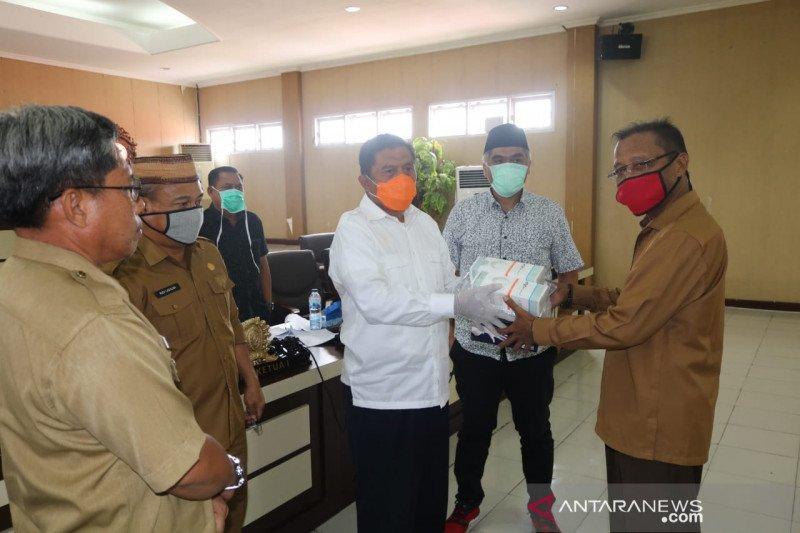 F-NasDem serahkan APD bantuan Wakil Ketua DPR RI Rachmat Gobel