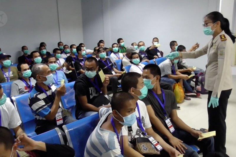 Pasca Lockdown Malaysia, puluhan PMI tiba di Batam