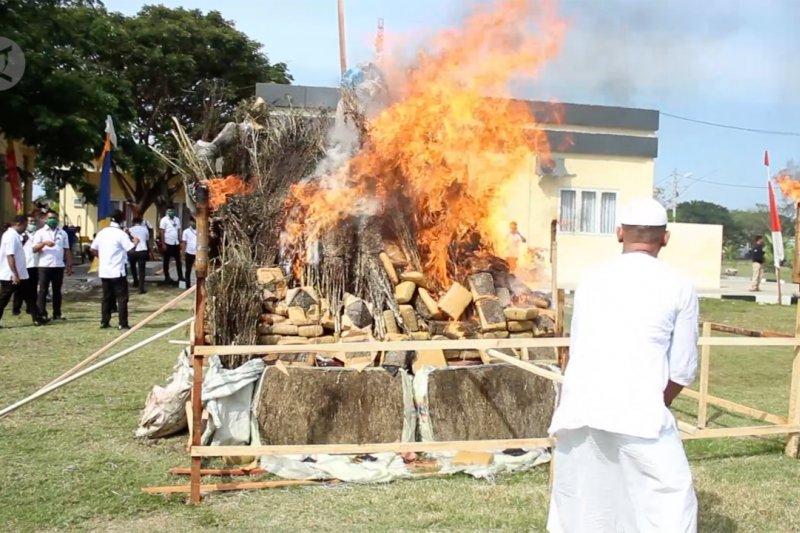 Polda Aceh musnahkan 1 ton narkoba