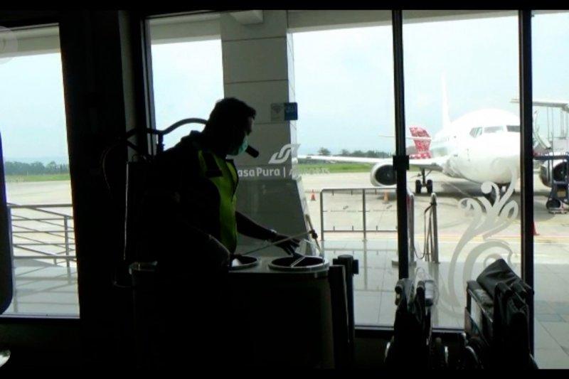 Bandara Adisutjipto lakukan pembersihan dan disinfeksi