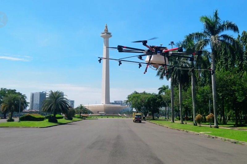 PMI uji coba drone semprot disinfektan untuk lokasi sulit