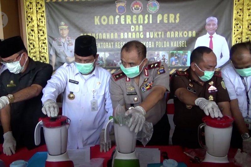 Gubernur Kalsel apresiasi polisi ungkap gudang narkoba