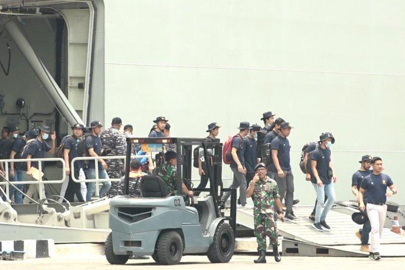 188 ABK World Dream tiba di Pelabuhan Tanjung Priok