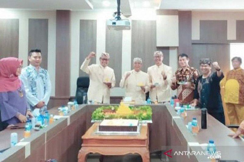 Kepala Daerah Kota Sukabumi sumbangkan 4 bulan gaji tangani COVID-19