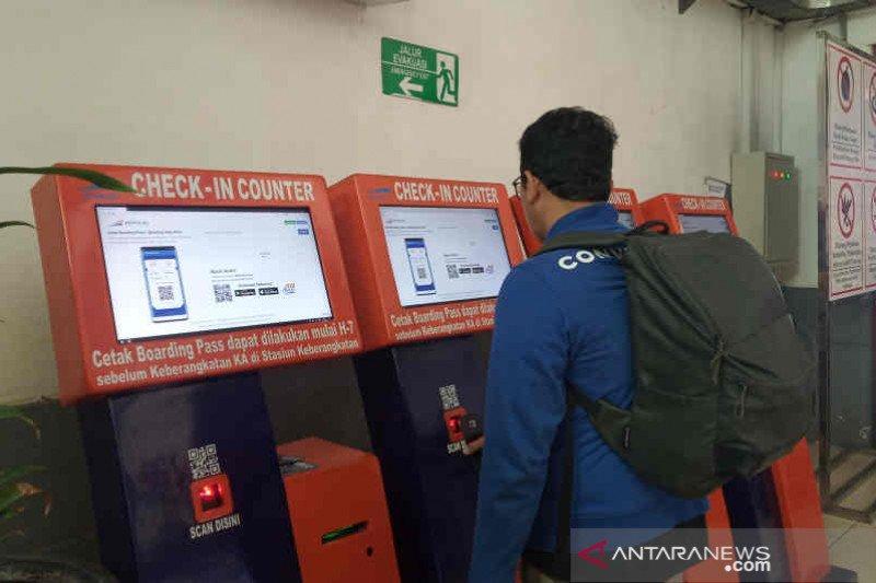 KAI Cirebon batasi kapasitas penumpang 50 persen