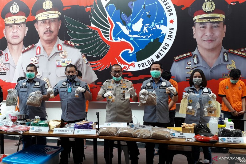 Polda Metro gerebek industri tembakau gorila lintas provinsi