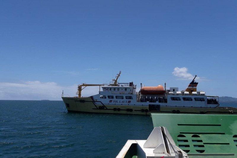 Cegah corona, 102 penumpang KMP Sabuk Nusantara-97 tertahan di kapal