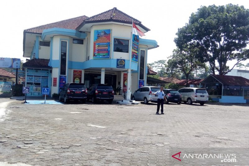 Kantor Imigrasi melarang WNA masuk Sukabumi dan Cianjur