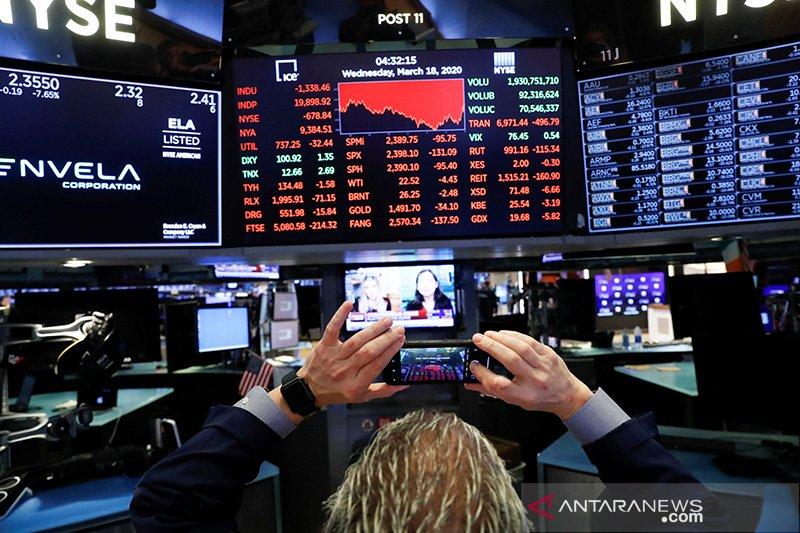 Wall Street dibuka tergelincir seiring volatilitas pasar berlanjut