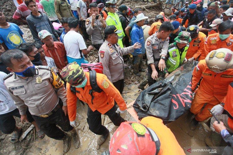 Inalillahi! 9 warga Solok Selatan tewas tertimbun di lokasi tambang ilegal