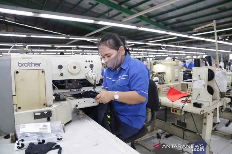 Kemnaker bagikan 180.875 masker buatan BLK seluruh Indonesia