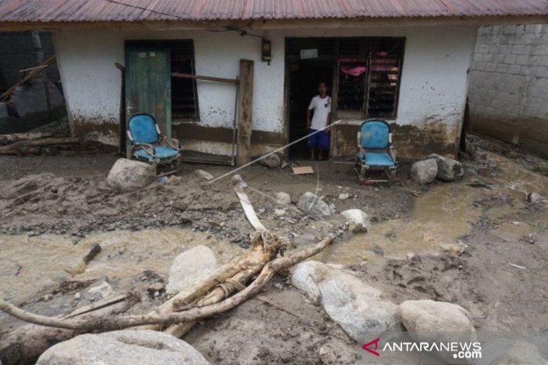 Pemkab Sigi kerahkan alat berat ke lokasi banjir di Kulawi