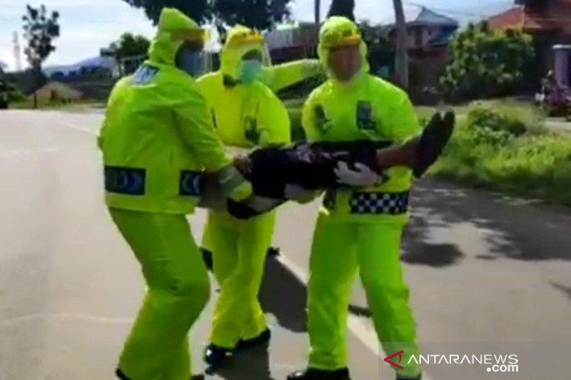 Polisi simulasikan tangani kecelakaan saat pandemi COVID-19