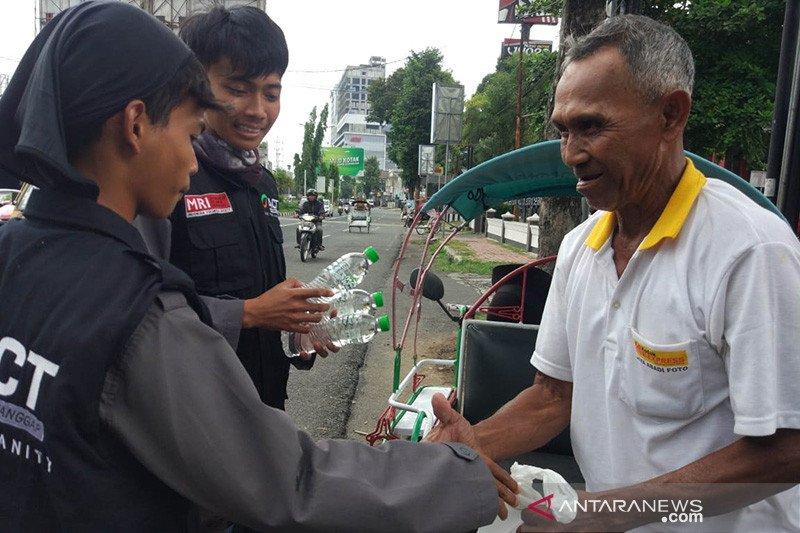 Operasi Pangan Gratis ACT Jember untuk warga terdampak COVID-19