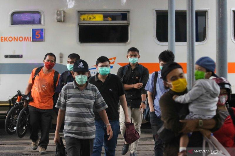 Benarkah perjalanan kereta api menuju dan dari Jakarta dibatalkan? Ini penjelasannya