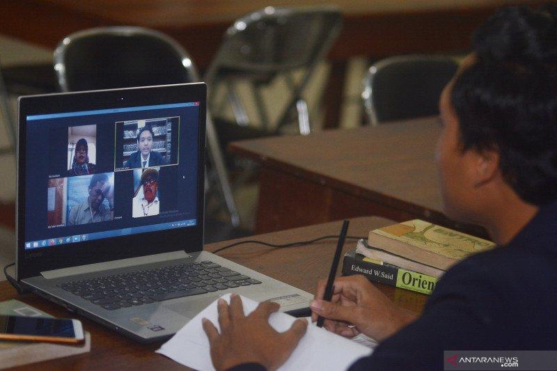 Cegah penyebaran COVID-19, Universitas Jember gelar ujian skripsi secara daring