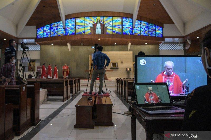 Misa Jumat Agung secara daring