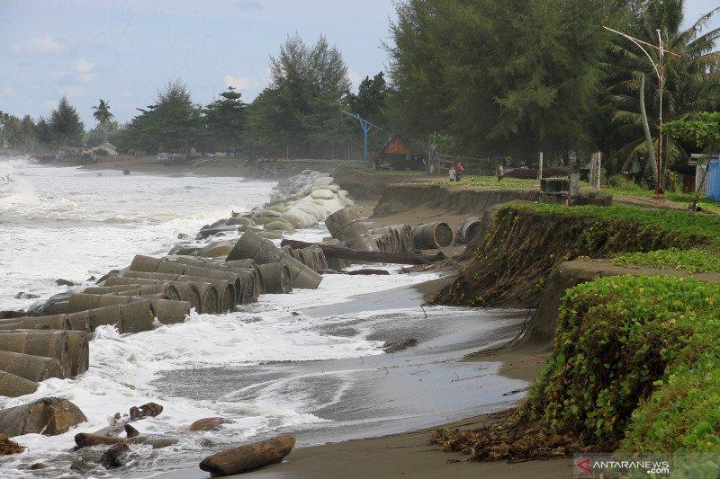 Abrasi pantai Aceh Barat