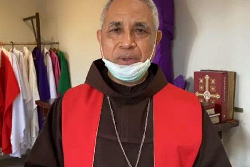 Uskup Jayapura imbau warga taati anjuran pemerintah untuk cegah COVID-19