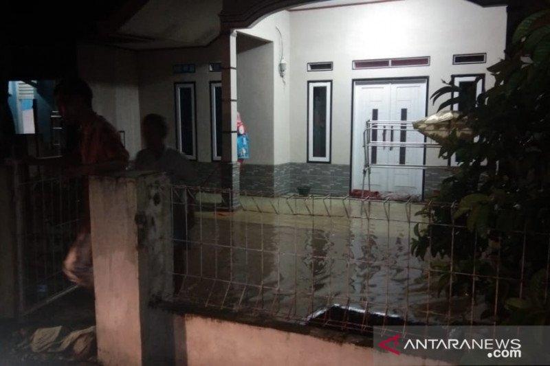 BPBD Cianjur imbau warga tetap waspada banjir susulan