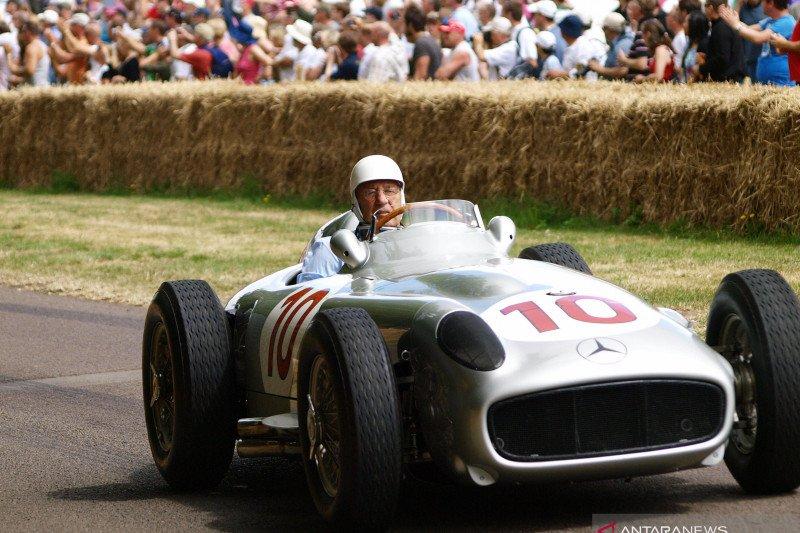 Lewis Hamilton sampaikan dukacita atas meninggalnya Stirling Moss