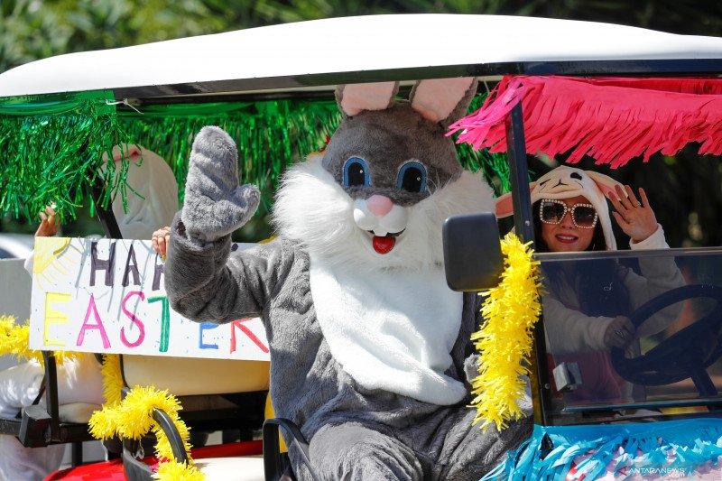 Kelinci Paskah berkeliling hibur anak-anak di California
