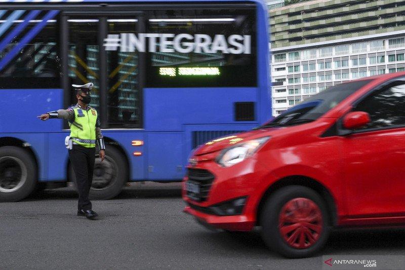 Tanpa surat izin ke luar-masuk Jakarta, tunda keberangkatan kata Anies