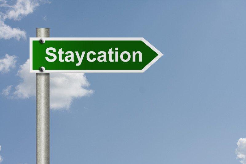 """Staycation"" dan ""roadtrip"" tren favorit pemburu diskon wisata"