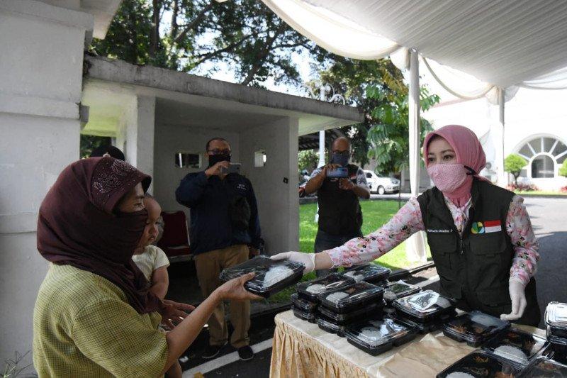 Jabar Bergerak dirikan posko makan siang gratis di Gedung Pakuan