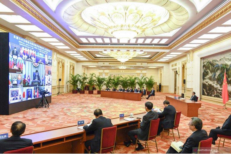 KTT ASEAN Plus Tiga bahas COVID-19