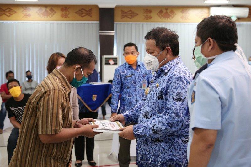 Gubernur Lampung serahkan Kartu Prakerja program asimilasi Kemenkumham