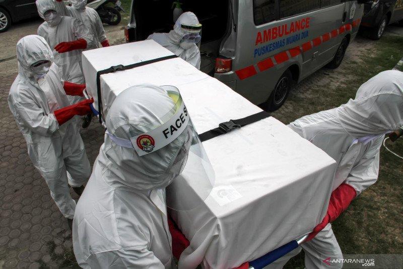 Gubernur Sumbar keluarkan instruksi terkait pemakaman jenazah COVID-19