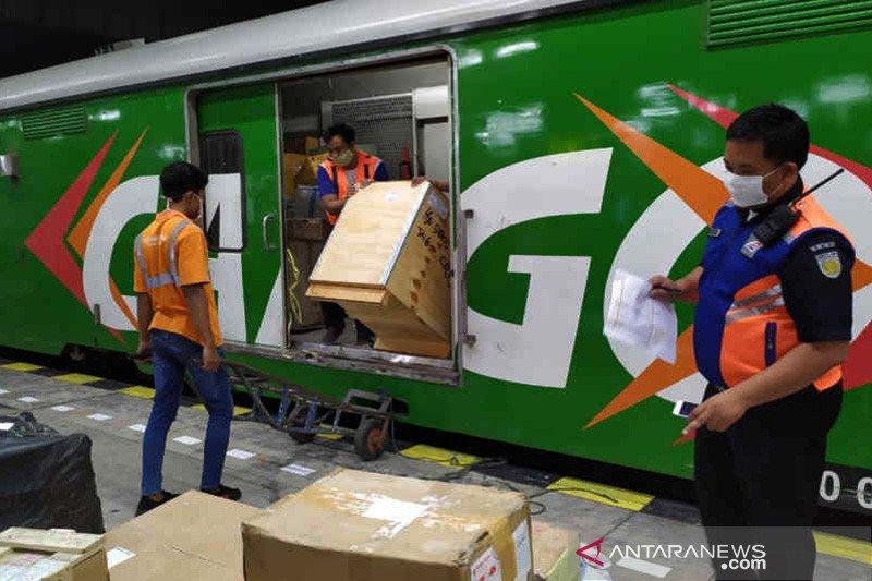 Tiga stasiun Daop 3 Cirebon layani angkutan bahan pangan