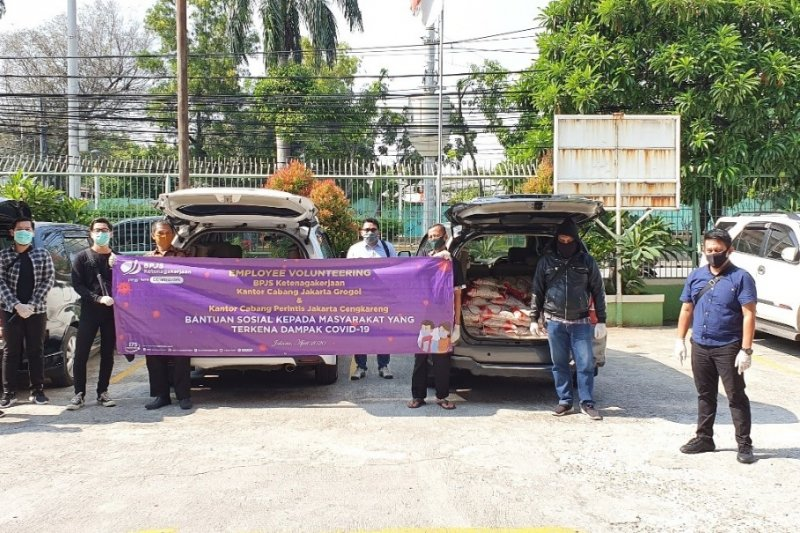 Ringankan beban warga terdampak, BPJAMSOSTEK bantu 1,4 ton beras