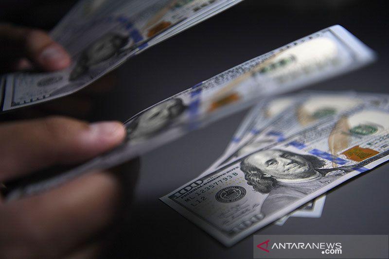 Dolar melayang dekati tertinggi sebulan saat kebijakan Biden terbentuk