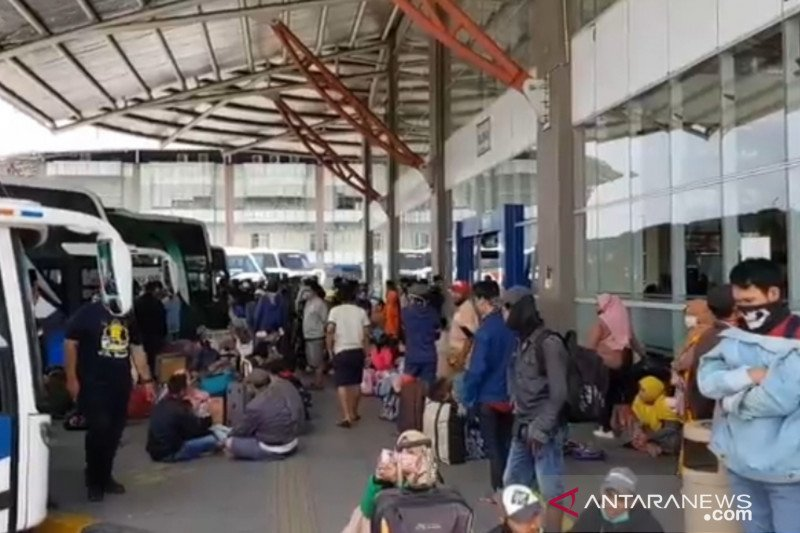 PO Terminal Pulogebang naikkan harga tiket 50 persen
