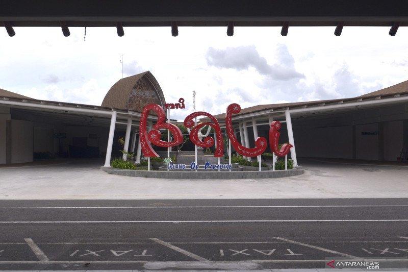 Suasana lengang Bandara Ngurah Rai Bali