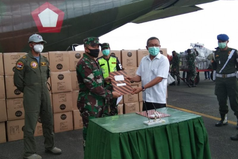 Pesawat Hercules angkut bantuan alkes dan APD untuk Maluku Utara