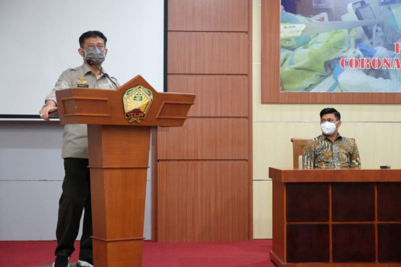 Mentan bantu APD-sabun cair untuk IDI Makassar