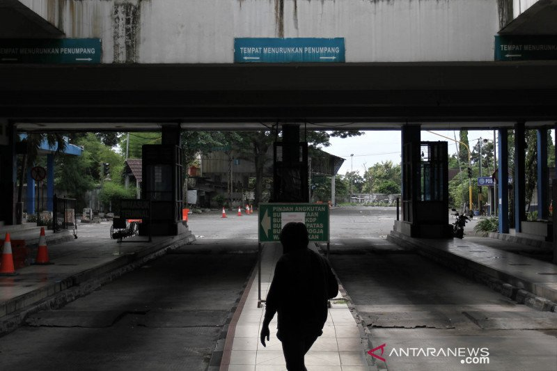 Suasana terminal Giwangan Yogyakarta yang sepi