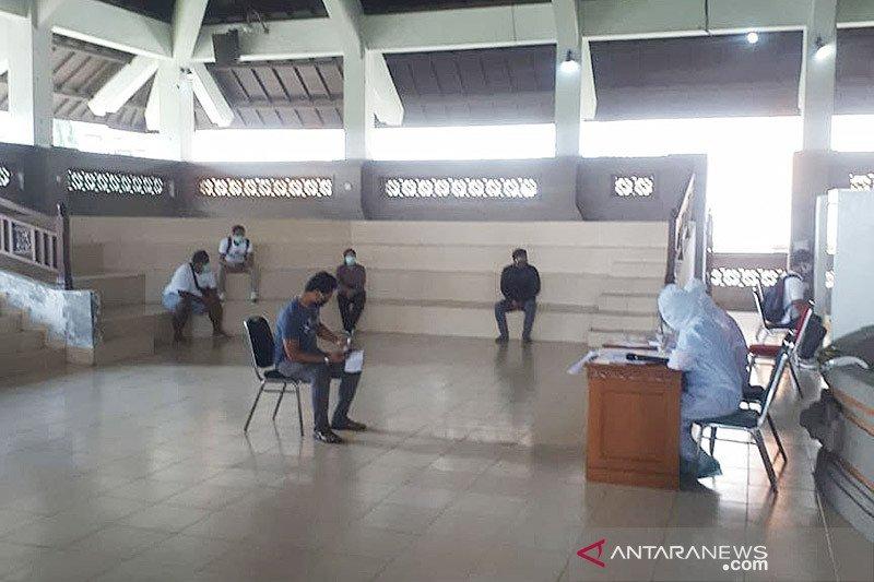 48 orang PMI asal Badung sudah dibolehkan pulang dari lokasi karantina