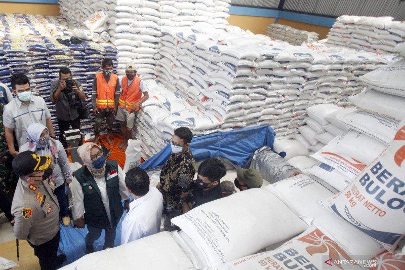 Bupati Bogor tinjau persedian beras di Bulog