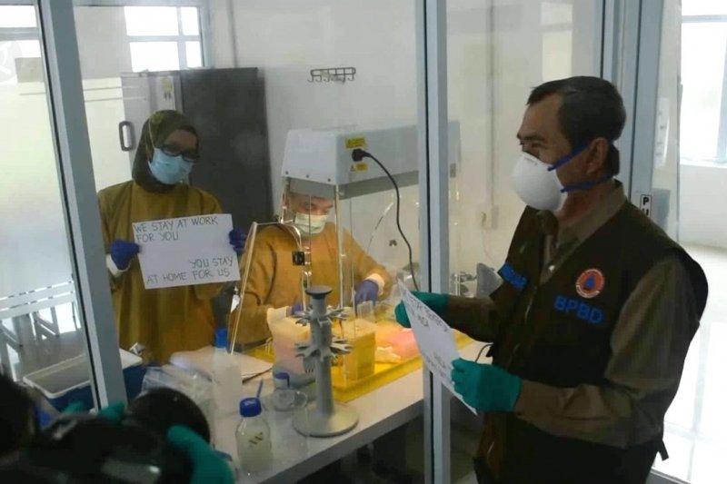 Hasil uji sampel dengan PCR di RSUD Arifin Ahmad