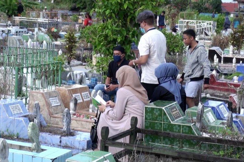 Pandemi, tradisi ziarah kubur jelang Ramadhan sepi