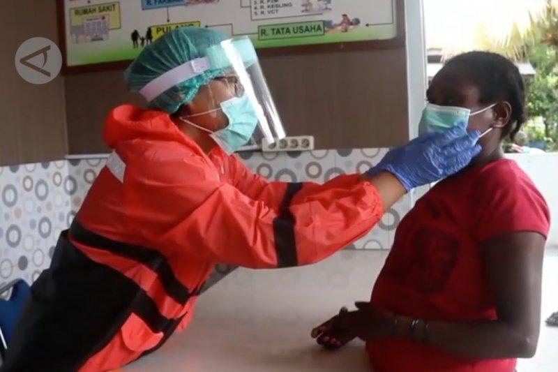Pemkot Jayapura berikan suplemen bagi tenaga medis COVID-19